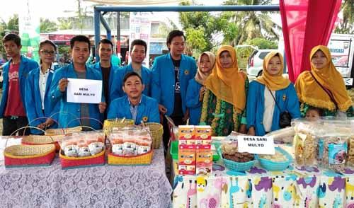 Menteri Desa PDTT Kunjungi Stand Produk Unggulan Mahasiswa Kukerta Unihaz