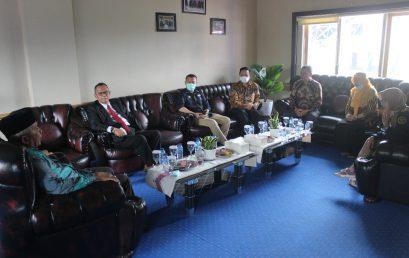 Kunjungan Kerja DKPP RI (Dr. H. Alfitra Salamm, APU)